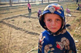 kid in poverty